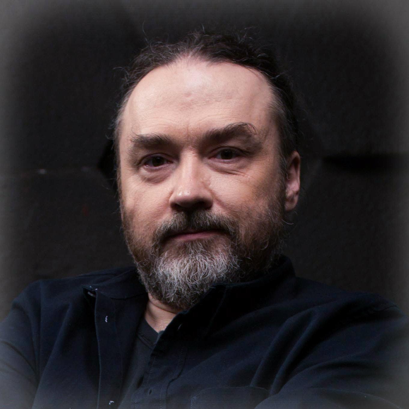 Максим Леонов
